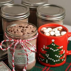 Double Chocolate Hot Cocoa Mix with Printable Labels by theyummylife: Recipe based on Alton Brown's. Free templates for labels! #Hot_Cocoa_Mix