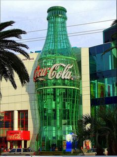The Coca-Cola Building, Las Vegas, Nevada Vegas Hotel Rooms, Casino Hotel, Las Vegas Hotels, Las Vegas Nevada, Las Vegas Vacation, Vegas Fun, Coca Cola Store, Las Vegas Grand Canyon, Centre Commercial