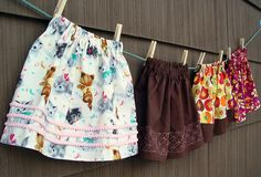 Ribbon Embroidery For Beginners love the kitten fabric - Easy-Peasy Skirt Tutorial on Punkin Patterns Diy Clothing, Sewing Clothes, Sewing Tutorials, Sewing Patterns, Sewing Projects, Little Girl Skirts, Silk Ribbon Embroidery, Shirt Embroidery, Embroidery Ideas