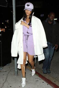 Rihanna wearing a purple mini-dress, a white windbreaker, Givenchy lace mules, and a trucker hat embroidered with a broken heart. Rihanna E Drake, Rihanna Outfits, Rihanna Photos, Moda Rihanna, Estilo Rihanna, Rihanna Fenty, Gigi Hadid, Looks Rihanna, Rihanna Style