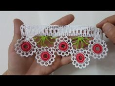 Rosen-Mitgift-Tuch-Rand, der in Halkali-Niederlassung macht Crochet Motifs, Crochet Borders, Crochet Squares, Thread Crochet, Crochet Lace, Crochet Patterns, Viking Tattoo Design, Viking Tattoos, Sunflower Tattoo Design
