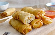 WW Baked Spring Rolls - Dish and Recipe - WW Baked Spring Rolls, a recipe for tasty light spring rolls, very easy and quick to make for a lig - Best Chicken Recipes, Pizza Recipes, Cooking Recipes, Healthy Recipes, Cake Recipes, Baked Spring Rolls, Comfort Food, Exotic Food, Evening Meals