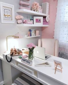25 Chic Office Desk Arrangements for your home office. Treat yourself and makeover your home office. Home Office Space, Home Office Design, Office Designs, Office Workspace, At Home Office Ideas, Apartment Office, Ikea Office, Office Setup, Office Spaces