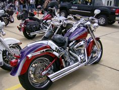 Red & Purple Harley--THIS is the paint job I want on my trike!!!