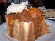 Bunny Chow - from Durban. Curry set in half a loaf. This list includes the Top 10 South African recipes to try at home. South African Bunny Chow, South African Dishes, South African Recipes, Africa Recipes, Thing 1, Vegetable Curry, Chow Chow, Food Dishes, Cake Recipes