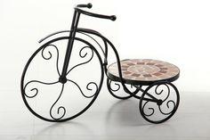 #Macetero de triciclo con mosaico y forjan para decorar la #terraza o #jardín. Accesorios para el jardín de Casa Selección.