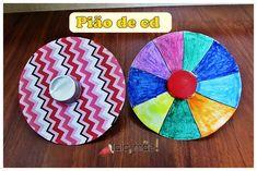 Aprenda a fazer um pião divertido usando um cd velho, papéis para colorir, tempinha de garrafa pet e um bolinha de ping pong