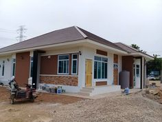 10 Best House Design for Three-Bedroom Homes With Floor Plans Simple Bungalow House Designs, Small Cottage Designs, Modern Bungalow House, Cool House Designs, House Floor Design, Small House Design, Small House Plans, House Floor Plans, Three Bedroom House
