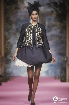 27 PALAIS-ROYAL Christian Lacroix, Spring-Summer 1991, Couture | Christian Lacroix  Christian Lacroix, Spring-Summer 1991, Couture | Christian Lacroix
