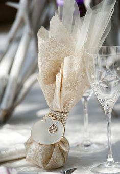 μπομπονιέρες γάμου από το Pinterest Greek Wedding, Diy Wedding, Wedding Favors, Wedding Decorations, Wedding Stuff, Fantasy Wedding, Favor Boxes, Small Gifts, Diy Gifts