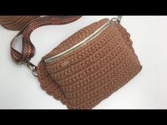 Removedor de Esmaltes Caseiro é Fácil de Fazer e Funciona – Cura Natural - elisabeth Crochet Pencil Case, Crochet Tote, Crochet Handbags, Crochet Hooks, Diy Crochet Patterns, Bag Hanger, Macrame Bag, Denim Bag, Purse Patterns