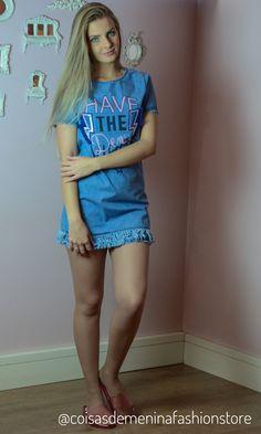 #look #summer #2018 #18 #off #white #black #preto #branco #meninas #girls #verao #tenis #sandalia #calca #saia #blusinha #blusa #beautiful #day #dia #fashion #moda #fun #style #vestido #melissa #listrado #costas #aberto #flores #jeans #rosa #melissa #glitter #brilho #all