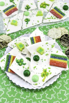 Easy Yummy St. Patrick's Day Candy Bark!