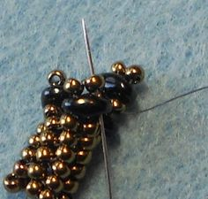 Twisted Herringbone... with Twins! Tutorial on site.  Another thank you due. #seed #bead #tutorial
