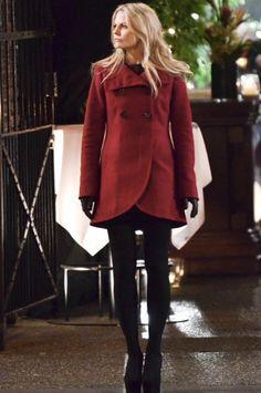 """Jennifer Morrison on """"Once Upon A Time"""" set - fantastic coat!"""