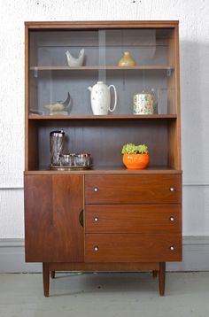 Mid Century Modern Stanley Petite Hutch China Or Liquor Cabinet