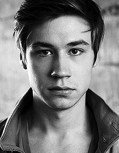 David Kross- this is like my fourth picture I've posted of him but I don't care.... I'll post more