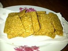Tempe: the traditional food from Indonesia...made from soya bean....very delicious n nutritious...full of protein