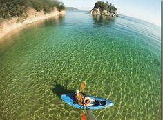 Simpatico scatto di @paoloclich dalla spiaggia della #paolina a #marcianamarina. Continuate a taggare le vostre foto con #isoladelbaapp il tag delle vostre vacanze all'#isoladelba. http://ift.tt/1NHxzN3