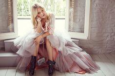 Kate Hudson For Jimmy Choo Fall 2015 (Pics & Video) http://www.talkingwithtami.com/kate-hudson-for-jimmy-choo-fall-2015