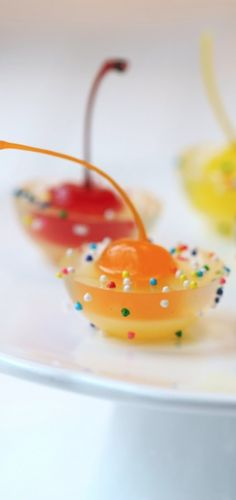 Cannot imagine ever making jello shots, but these are cute....Fancy jello shots!!