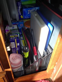 Life Riding Shotgun: RV Organization http://liferidingshotgun.blogspot.com/p/decorating.html