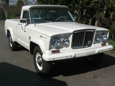 Learn more about No-Reserve 1967 Jeep Gladiator on Bring a Trailer, the home of the best vintage and classic cars online. Jeep Pickup, Jeep Truck, Pickup Trucks, Vintage Jeep, Vintage Trucks, Vintage Metal, Jeep Gladiator, Jeep Brand, Old Jeep