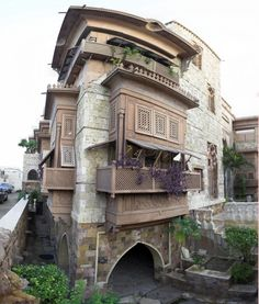 Architecture of the Arabian Peninsula, traditional homes - architect Sami Angawi's home in Jeddah