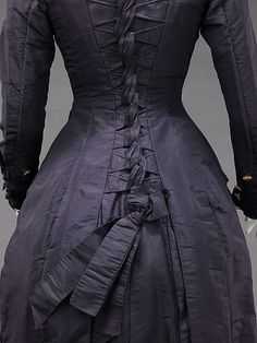 Historic Dress of the Day: Mrs. F. M. Carroll dress with bustle bow, 1877. Via the Met Museum