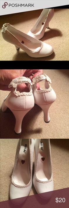 Miss Me White Flowered Pumps. Sz 7 Never Worn. A couple Knicks on heels. Decorative. Backs. Sz 7 Miss Me Shoes Heels