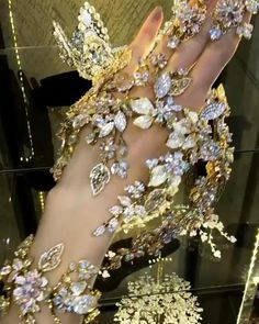 Regal wedding hair accessories for women, Rhinestone crystal bridal jewelry, Wedding hair ideas 2021, Exquisite bridal hair piece, Wedding hair piece for royals, Pageant bridal tiara, Diamond wedding tiara, Zircon wedding headpiece, Swarovski bridal headpiece, Flower wedding accessories, Floral bridal jewelry for princess, Gold wedding look, Bling bridal crown, Glam wedding crown, Adult hair jewelry for bride, Unique wedding hair accessories, Customized bridal jewelry, Bridal headband forehead Handmade Bridal Jewellery, Bridal Jewelry Sets, Wedding Jewelry, Bridal Tiara, Bridal Headpieces, Bridal Crown, Princess Flower, Princess Wedding, Flower Hair Accessories