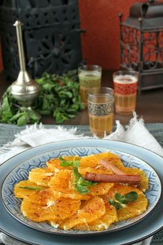 Moroccan orange salad with cinnamon is a combination of soft and subtle flavors that perfectly complement an often rich and hearty North African meal. Morrocan Food, Moroccan Salad, Healthy Recipes, Salad Recipes, Cooking Recipes, Moroccan Desserts, Moroccan Recipes, Ethnic Recipes, Ras El Hanout