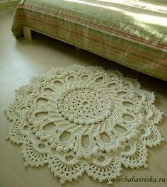 Crocheted doily-rug Just take any doily pattern and use yarn! Crochet Doily Rug, Crochet Motifs, Crochet Stitches, Knit Crochet, Knitted Rug, Irish Crochet, Crotchet, Crochet Home Decor, Crochet Crafts