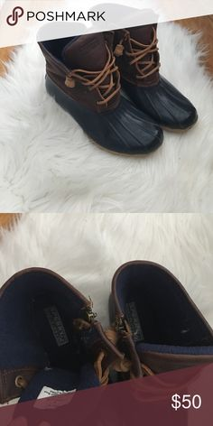 Sperry duck boots Gently worn. In great shape. Very clean. Sperry Shoes Winter & Rain Boots