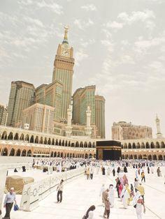 مكة المكرمة Masjid Al Haram, Mekkah, Madina, Beautiful Places In The World, Holy Land, Alhamdulillah, Saudi Arabia, Allah, Muslim