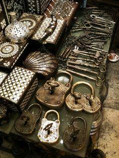 Istanbul Grand Bazaar metalware (old keys, padlocks, inlaid boxes) photographed by Lennon Ying-Dah Wong, via Flickr (via Pinterest)