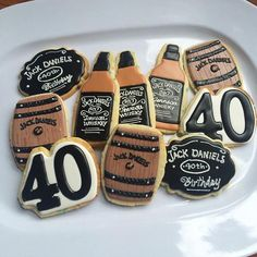 Birthday cake decorating for men jack daniels 54 super ideas 40th Birthday Cakes For Men, 40th Birthday Themes, 40th Bday Ideas, 90th Birthday Parties, Birthday Cookies, Happy Birthday, Cake Birthday, 30th Birthday Ideas For Men Party, Surprise 30th Birthday