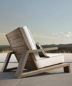 Have a Teak Lounge Chair - Dream Back Yard - Chair Design At Home Furniture Store, Deck Furniture, Steel Furniture, Woodworking Furniture, Pallet Furniture, Furniture Projects, Furniture Plans, Modern Furniture, Furniture Design