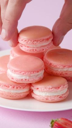 Crash Course Cooking: How to Make Perfect Macarons ~ Recipe Buttercream Filling, Vanilla Buttercream, Macarons, Macaron Cookies, Macaroon Recipes, Gel Food Coloring, Silicone Baking Mat, Food Processor Recipes, Sweet Treats