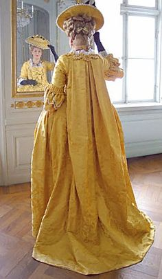 yellow gown  Robe française  Sack dress made from the silk damask Flora.