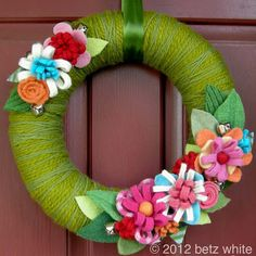 betz white - awesome wreath for Spring!
