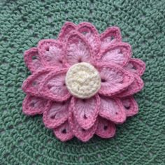 Lotus flower. Free crochet pattern with pictures and chart at http://suviscrochet.blogspot.com