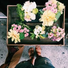 """flower girl nyc no Instagram: """"there's nothing a posy can't fix."""""""
