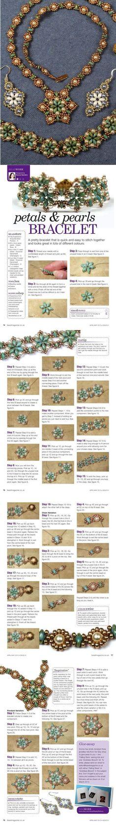 Colliers, boucles d'oreilles, un bracelet de perles et superduo