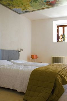 Bedroom B&B, old recycled wood, painting on the ceiling, art, relax, holiday, Italy, Le Marche.