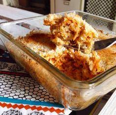 Es ist Samstag, Zeit um richtig lecker zu frühstücken <3 Eingekuschelt auf dem Sofa gibt es heute morgen ein Carrot-Coconut Oatmeal… Der Duft bei der Zubereitung wird euch schon das Wasser im Mund zusammenlaufen lassen… Zutaten: 80 gr kernige Haferflocken 80 gr Möhren 1 EL Leinsamen 1 gestrichener TL Zimt Das Mark einer 1/2...