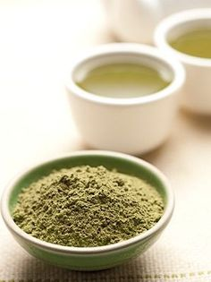 Green tea has already been shown to help slow down Alzheimer's disease, ease anxiety, helping with weight loss and even prevent cancer. Find out how green tea instantly boost your memory Green Tea For Weight Loss, Tea Benefits, Health Benefits, Boost Your Metabolism, Matcha Green Tea, Lower Cholesterol, Health And Wellbeing, Superfoods, Drinking Tea