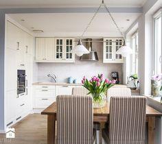 Aranżacja mieszkania 53m2 - Mała otwarta jadalnia w kuchni - zdjęcie od…