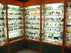 В Ленском районе девушки обокрали салон сотовой связи на 1,3 млн рублей