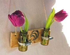 Mini Blumenvase Vase Holz an  Wand Wanddekoration von SchlueterKunstundDesign - Wohnzubehör, Unikate, Treibholzobjekte, Modeschmuck aus Treibholz auf DaWanda.com